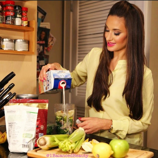 Coach Aly Mang, Green Smoothie Recipe: Private Holistic Health Coaching by Aly Mang, The Balanced Beauty LLC